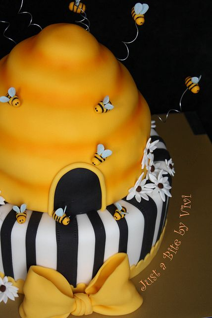 bumble bee cake | bumble bee 2 another view of the bumble bee cake i couldn t decide ...