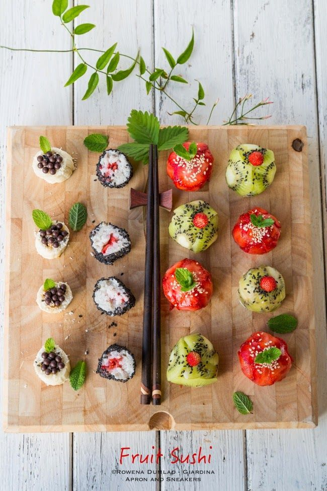 STRAWBERRY AND KIWI SUSHI BALLS RECIPE | Influenced by onigiri (Japanese rice balls), Traveling in Italy and Beyond: Fruit Sushi