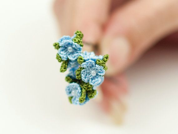 Hey, I found this really awesome Etsy listing at https://www.etsy.com/listing/184964307/blue-flower-hair-pins-set-of-three