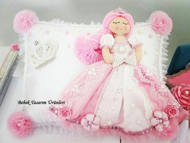 felt pillow with princess.Prenses