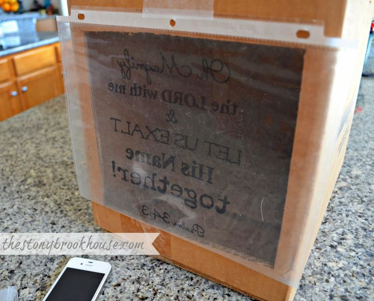The Stonybrook House: DIY Overhead Projector (This is the perfect DIY Idea for getting words and images projected onto furniture pieces, and then tracing them out. Can't wait to try this great idea)