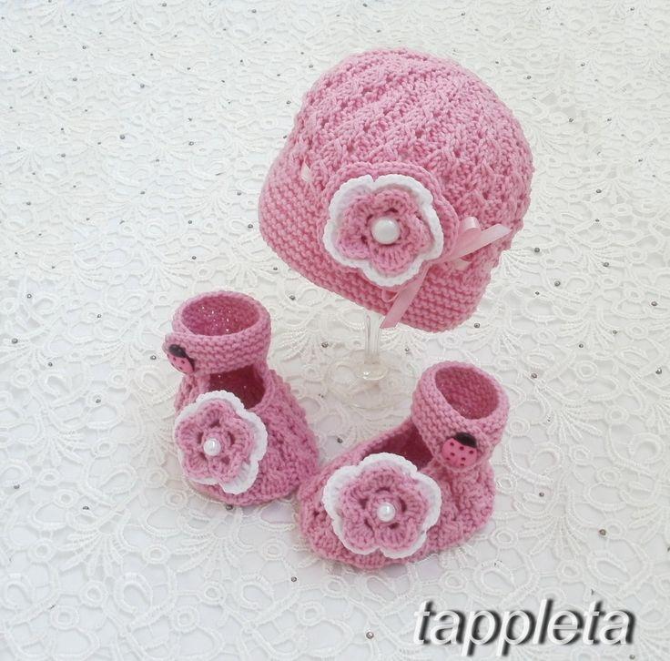 Шапочка и пинетки для девочки 0-12 мес. комплект вязанный с цветком, розовый, для новорожденной, на крещение by tappleta on Etsy
