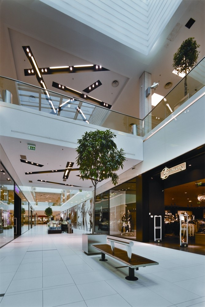 Riga Plaza / ARHIS