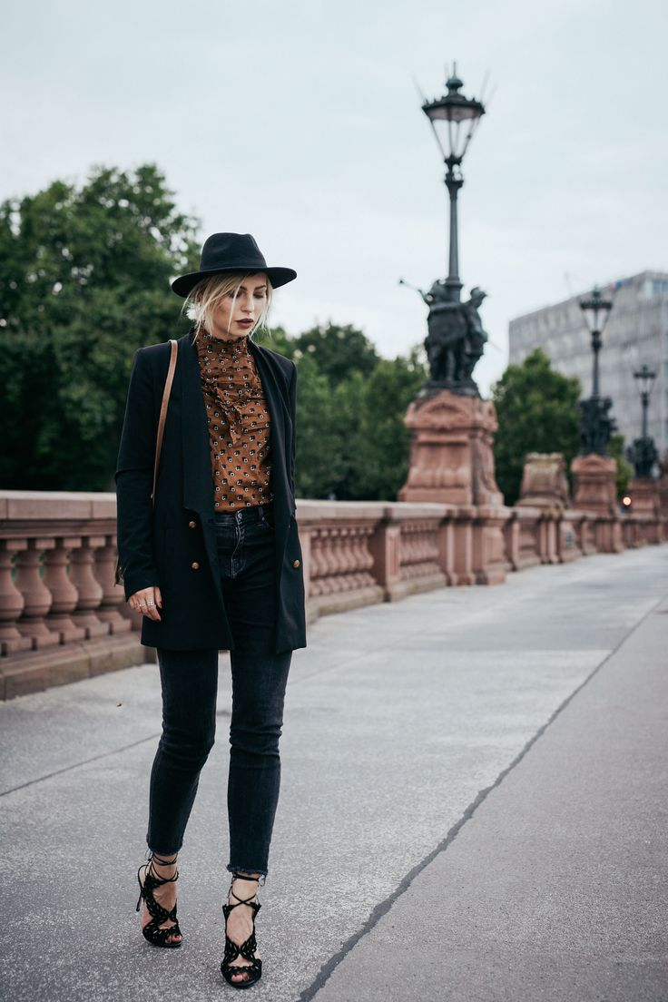 Autumn Outfit | style: boho, 20s, brown, graphic, romantic | find more pictures…