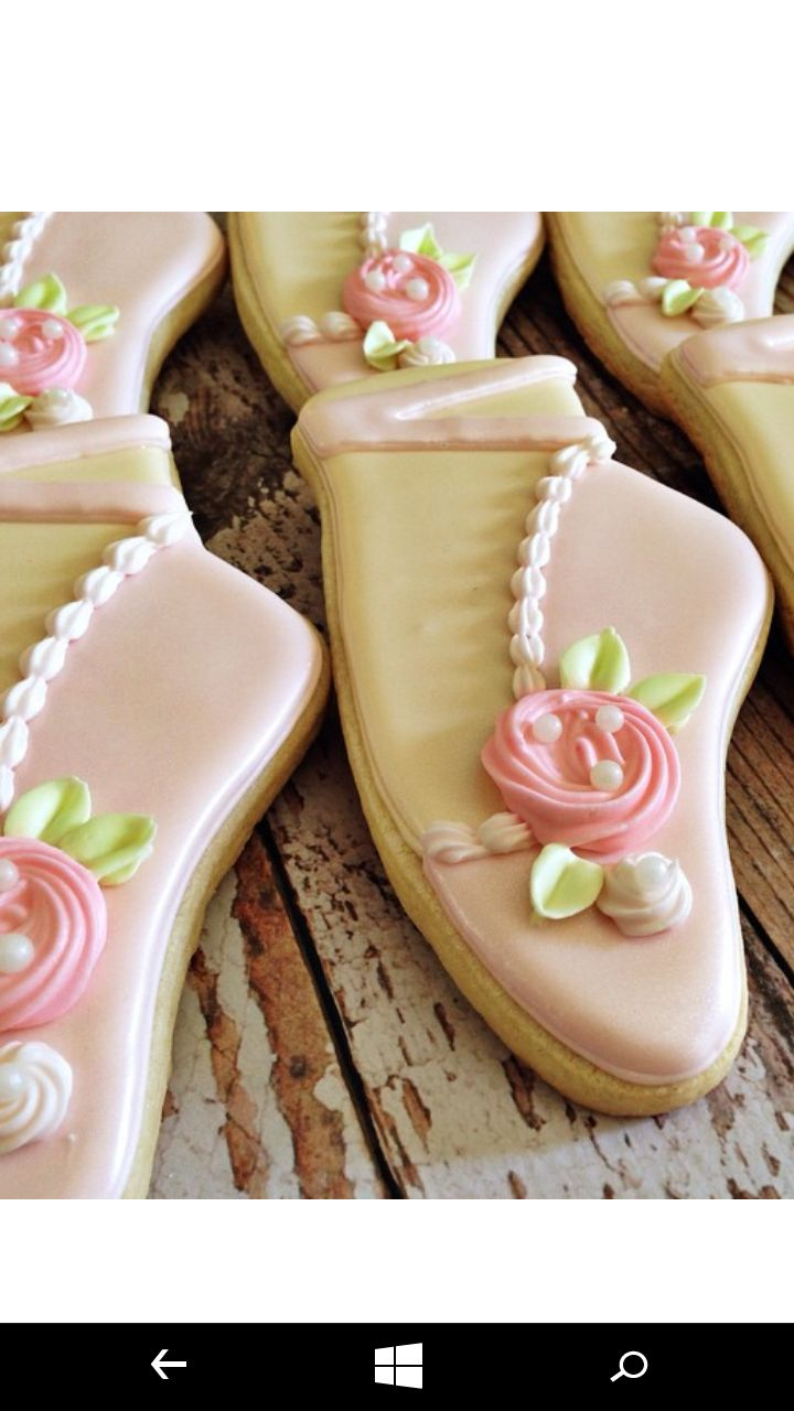 25 best ideas about ballet cupcakes on pinterest baby for Ballet shoes decoration