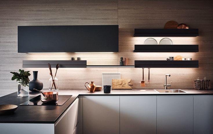 Cucina componibile laccata con penisola in melaminico MAXIMA 2.2 - COMPOSIZIONE 6 by Cesar Arredamenti design Gian Vittorio Plazzogna