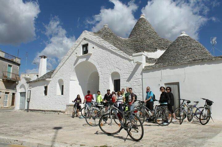 #DiscoveringPuglia si pedala con Intothebike! Sieet pronti?  Twitter / FrancescoLiuti http://discovering.viaggiareinpuglia.it/?event=percorso-in-bicicletta-alberobello