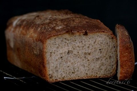 chleb pszenny nie razowy na zakwasie pszennym