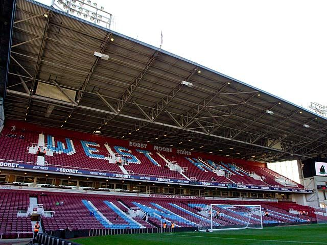 West Ham United, Manchester United kickoff delayed by 45 minutes