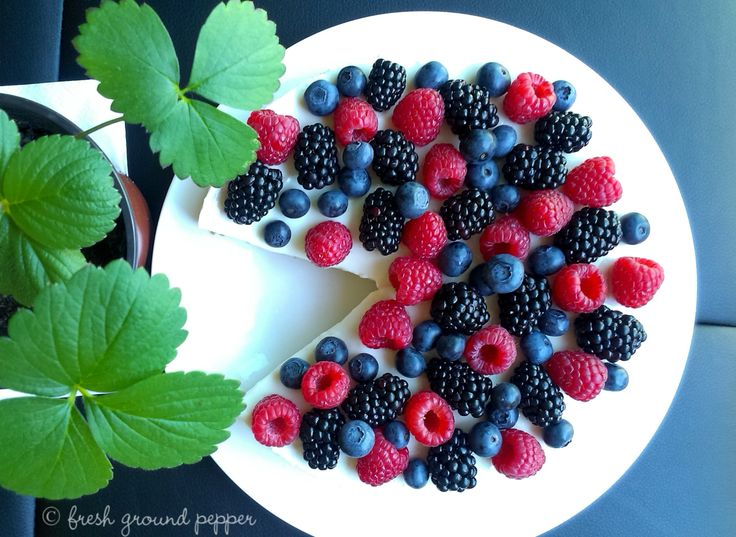 no bake quark cheesecake with forest fruits