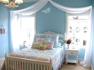 little girls room decor...Will to the draping for Mia's Room