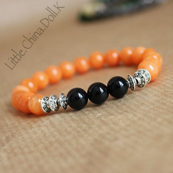 orange bracelet. orange agate bracelet, agate bracelet, black onyx bracelet, writ mala, mala bracelet, yoga jewelry, black bracelet,