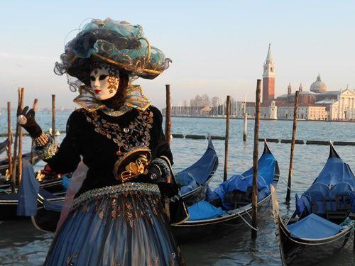 2月のヴェネツィアの風物詩、仮面と仮装のカーニバル(イタリア):ユーラシア旅行社ツアー添乗員ブログ「添乗見聞録」