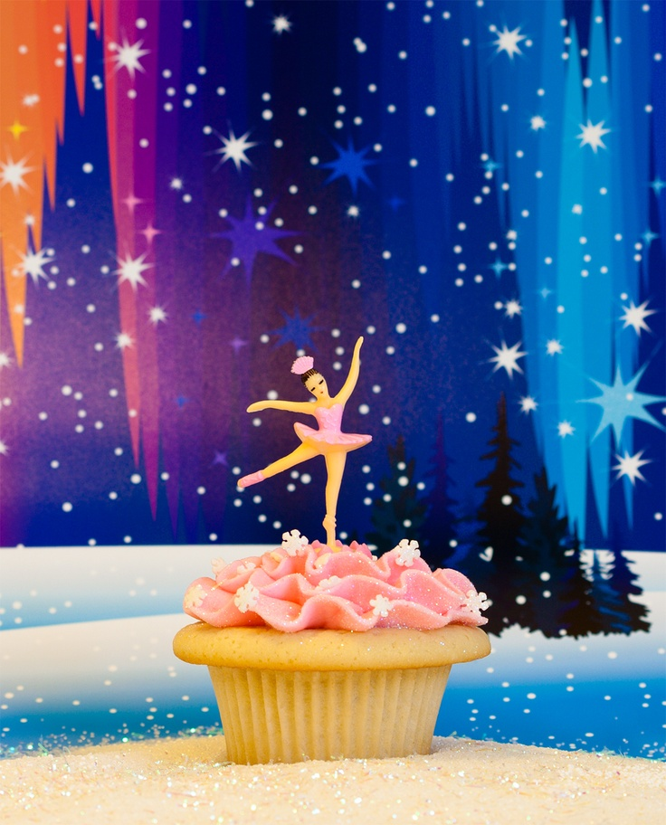 Sugar Plum Fairy Cupcakes by Trophy Cupcakes. Cupcakes featured at the Pacific Northwest Ballet's Nutcracker. #PartyPerfectCupcakes #ThePartyStartsHere #TrophyCupcakes