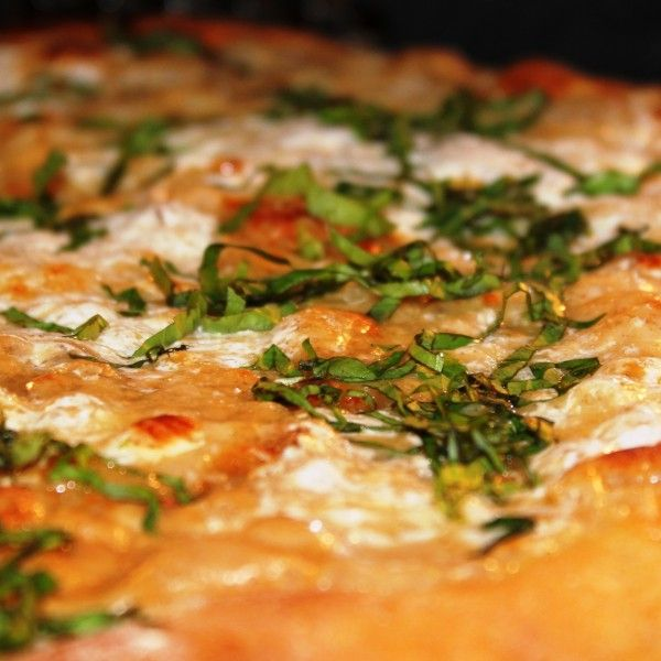 Roasted Garlic White Pizza With Garlic Sauce