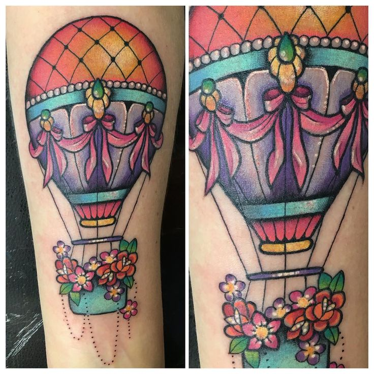 """""""Colourful hot air balloon from yesterday.  #hotairballoon #girlswithtattoos…"""