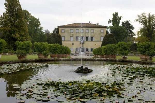 The water fountain at Villa Grabau
