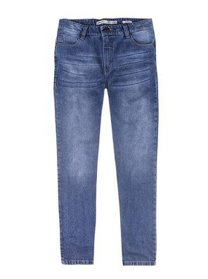 Calça masculina tradicional em jeans na cor azul em tamanho 036. Calça masculina desenvolvida em tecido jeans, 100% algodão que promove estruturação ao modelo. Contempla bolsos funcionais curvados, passantes para cinto de 6 cm cada, bolsos básicos na parte de trás com detalhe de costura, fechamento de braguilha por zíper e botão de metal. Destaque para os acabamento de costura e desgaste na coloração. Combine com camisetas ou camisa da coleção.