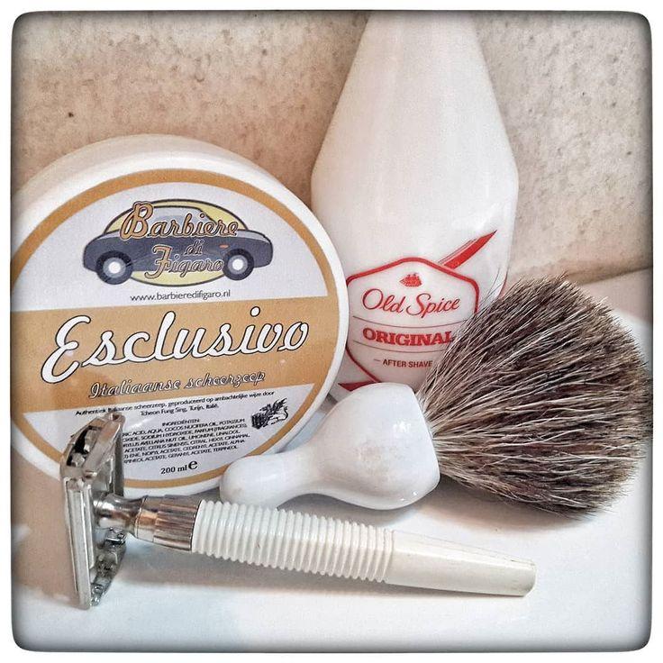 November 1st 2017 - Shave of the day #Gillette Slim Twist  #vintage (UK)  #Rockwell stainless steel blade (CA)  #Esclusivo shaving cream (ITA)  #Agioco pure badger brush (HK)  #OldSpice #aftershave #Original (UK)  #wetshaving #shaveoftheday #toiletries #shavelikeaman #shavingculture #thebigshave #classicshave #derazor #vintageshave #worldshave #safetyrazor #vintage #like4like #instagood #photography #perfume #perfum #духи