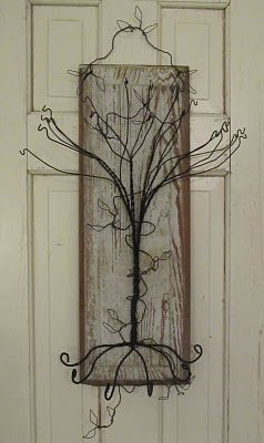 Jewelry Tree from Sassytrash: Wire Jewelry, Jewelry Storage, Jewelry Crafts, Jewelry Hanger, Jewelry Display, Jewelry Holders, Wire Trees, Primitives Jewelry, Jewelry Trees