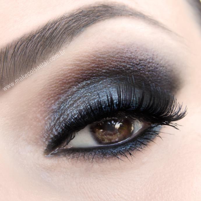 MAKE INSPIRADO NA MAQUIAGEM DE RIHANNA NA PREMIAÇÃO DO CFDA #Maquiagem #makeup #make #olho #esfumado #delineado #preto #black #cinza #grey