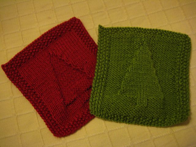 Ravelry: Christmas Tree Dishcloth Knitting Pattern CARRES AU TRICOT AVEC MO...