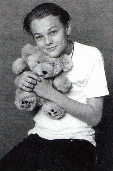 Little leo: Dicaprio Photo, Famous People, Teddy Bears, Bears Hugs, Cutest Things, Baby Leo, Leonardo Dicaprio, Rare Photo, Leo Dicaprio