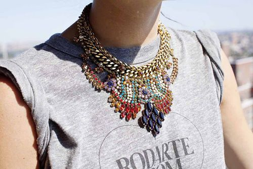 bib necklace: Big Necklaces, Statement Necklaces, Maxi, Style, Graphics Tees, Collars, Accessories, T Shirts, Bibs Necklaces
