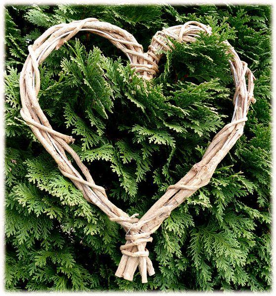 Kränze - Herz - Muttertag  -  Türdekoraton - ein Designerstück von eigen--Art--ig---Materialshop bei DaWanda