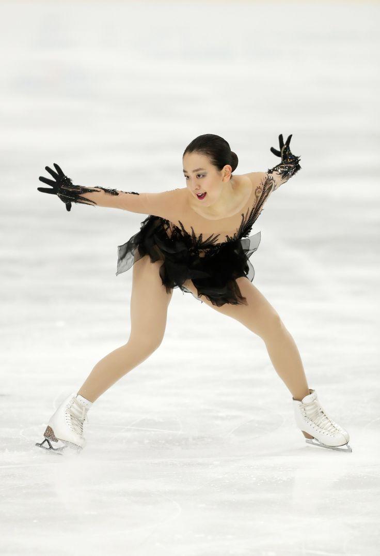 10月6日、フィギュアスケートのフィンランディア杯は、フィンランドのエスポーで女子ショートプログラムを行い、浅田真央は64.87点の2位だった(写真:Newspix24/アフロ) (1600×2339) http://toyokeizai.net/articles/-/139372?display=b