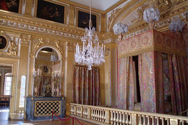 Le Château - Château de Versailles, chambre du roi - king's bedroom