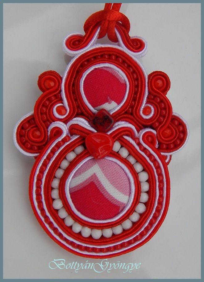 Piros - fehér sujtás medál / nyaklánc / Red - White soutache pendant / necklace