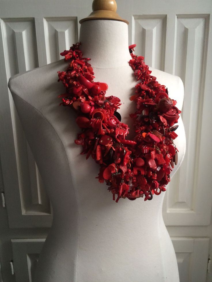 Robin Ayres – Big Red – Hundreds of vintage beads, Cracker Jack and Eppy charms