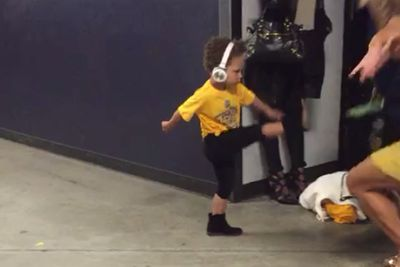 Riley Curry's Game 1 victory dance is unstoppable