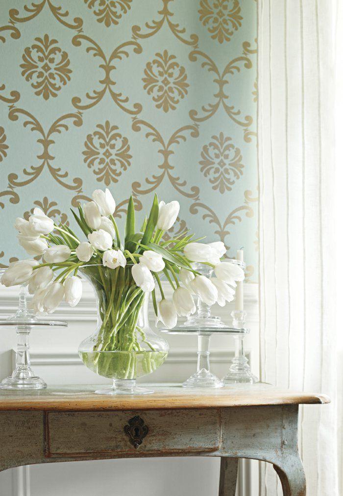 Hochwertige Inneneinrichtung - Die auffälligen bunten Muster und Textilien herrschen 2017 auch in der Küchen- und Badgestaltung vor. Mit gemusterten Fliesen