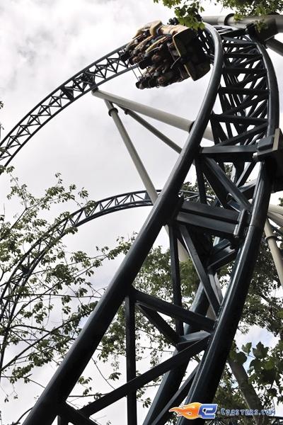 34/36 | Photo du Roller Coaster Anubis The Ride situé à Plopsaland de Panne (Belgique). Plus d'information sur notre site http://www.e-coasters.com !! Tous les meilleurs Parcs d'Attractions sur un seul site web !! Découvrez également notre vidéo embarquée à cette adresse : http://youtu.be/CTarPc72gHs