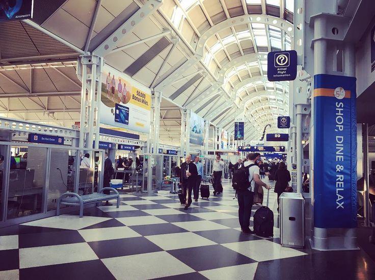 . 2017.05.13 Ohare airport ✈️ 乗り換えのシカゴのオヘア空港���� 今までハワイグアム台湾にしか行ったことない私が 初めてアメリカ本土とドイツに着きました��❤️ これから日程に余裕ある時は、乗り換えの土地でも旅行したいな���� #travel #travel #adventure #nature #airport #brasil #america #chicago #ohareairport #unitedpolaris #ana#ブラジル旅行#羽田発#フランクフルト#グアルーリョス#オヘア#成田着#旅行#国際空港#国際結婚#ブラジル料理#日本料理 #ブラジル#恋しい#saudages#ポルトガル語#忘れないように#単語の力は英語の力、英語の力は単語の力#土師先生 の#言葉 いつも思い出す 先生達に会いたい http://tipsrazzi.com/ipost/1513452124787271953/?code=BUA3LBagWkR