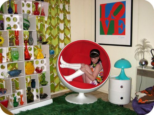 Want just about everything in the photo  including her go go boots. 17 Best ideas about 60s Bedroom on Pinterest   Retro bedrooms