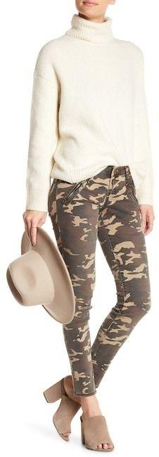 KUT from the Kloth Mia Camo Skinny Cargo Pants