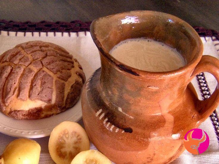TAQUERÍA EL EMILIANO TE PLATICA sobre el atole que era un alimento del gusto de los emperadores mexicas. Las crónicas de la época indican que cada quien lo pedía a su gusto, Moctezuma por ejemplo lo degustaba endulzado con miel. . #elEmiliano www.elemiliano.com