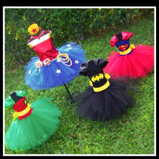 Wondergirl, Batgirl, Supergirl and Robin superhero dresses for children Costumes Cosplay