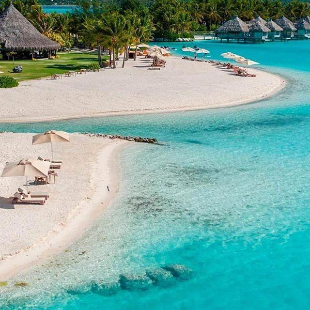 St Regis Bora Bora ⠀ ⠀ Photography via @stregisborabora