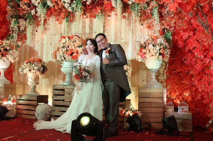 Prepare wedding ini cukup lama, panjang & g bs dipercaya tamu yg dtng sangat buanyak, tp Puji Tuhan wonderful result  Once again happy wedding Ko Resa & Ce Vivi . #wedding #party #weddingparty #socialenvy #shopstemdesigns #celebration #bride #groom #bridesmaids #happy #happiness #unforgettable #love #forever #weddingdress #weddinggown #weddingcake #family #smiles #together #ceremony #romance #marriage #weddingday #flowers #celebrate #instawed #instawedding #party…