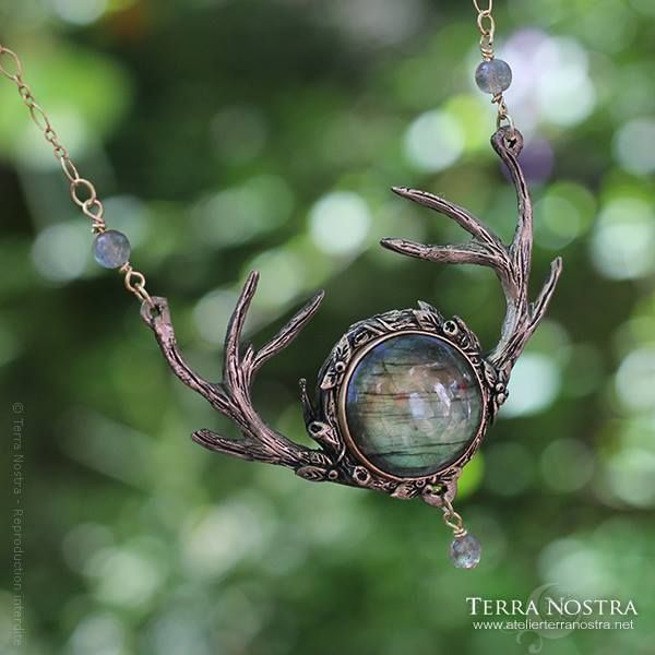 antler & labradorite necklace <3