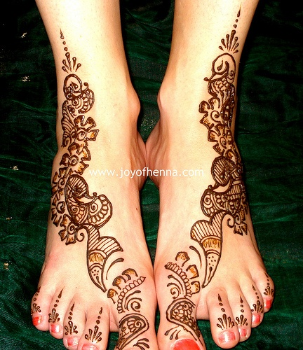 A A I N A - Bridal Beauty and Style: Designs on Love: Mehndi Artist Sowmya from Joy of Henna