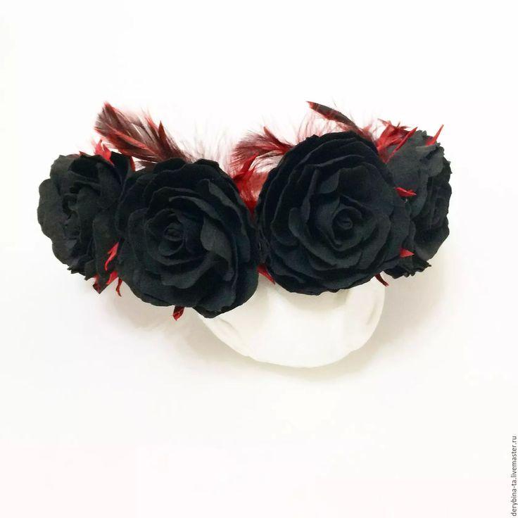 Купить Ободок для волос. Черные розы и красные перья. Венок на голову. - татьяна дерябина