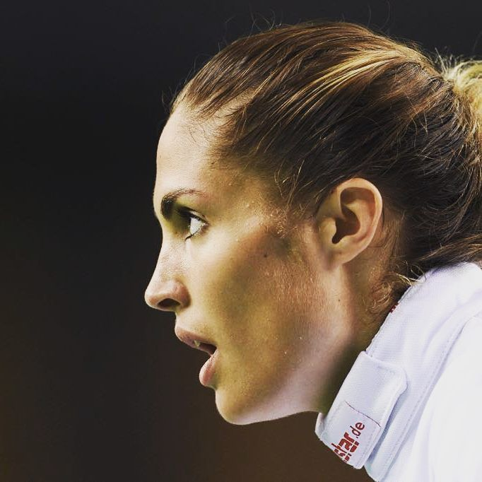 """755 Likes, 21 Comments - Elodie Clouvel (@elodieclouvel) on Instagram: """"Demi-finale du championnat du monde demain. Niveau de concentration : 200% 💪💪🇫🇷…"""""""
