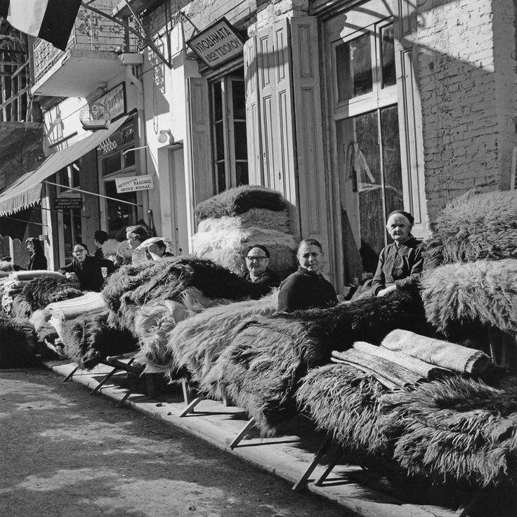 Καρδίτσα, περίπου 1964, παζάρι φλοκάτης, φωτογράφος Δημήτρης Παπαδήμος.