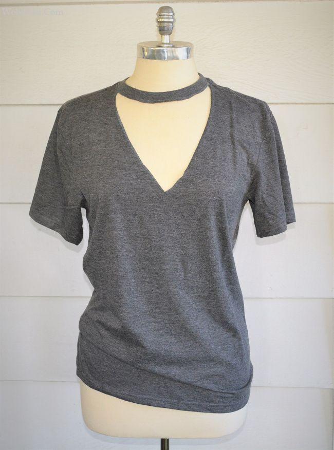 Eu já vi essas camisetas com gargantilha em todos os lugares e gosto de como elas são lisonjeiras. Tão fácil e sem costura DIY que você poderia fazer uma … – The DIY Mommy   – Design Self Customising