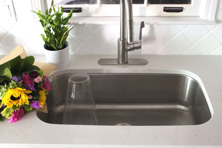 Single Bowl Kitchen Sinks are AMAZING! Fast clean up, empty counters, gorgeous!! Quartz counters, Single Bowl Kitchen sink, Kitchen Inspiration